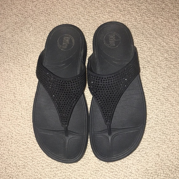 black fitflops size 8